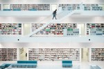 querformat-fotografie - Achim Katzberg - Street - Einzelgänger - Stadtbibliothek  l  Library #7