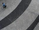 querformat-fotografie - Achim Katzberg - Street - Graphical - Frankfurter Welle
