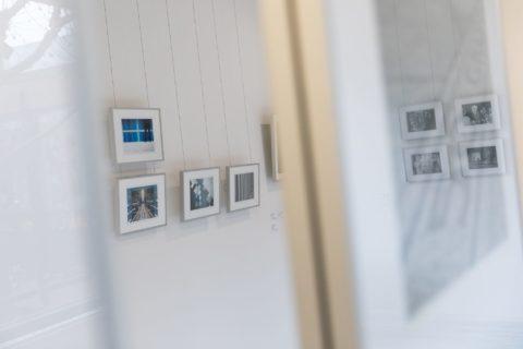 querformat-fotografie - Achim Katzberg - CHOREOGRAFIE DES ZUFALLS - Impressionen einer Ausstellung - querformat-fotografie_ausstellung_choreografie_des_zufalls-009