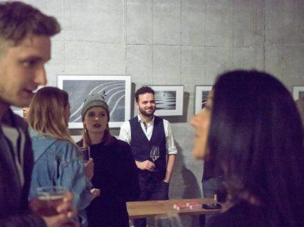 querformat-fotografie - Achim Katzberg - CHOREOGRAFIE DES ZUFALLS - Impressionen einer Ausstellung - querformat-fotografie_ausstellung_choreografie_des_zufalls_weinguut-005