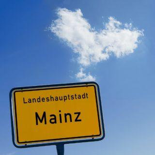 querformat-fotografie - Achim Katzberg - Mainz ist eine Wolke