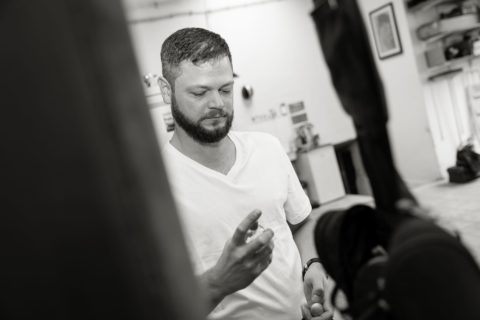querformat-fotografie - Achim Katzberg - querformat-fotografie_Hochzeit_Getting_Ready_Alex-018